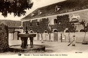 cour et fontaine