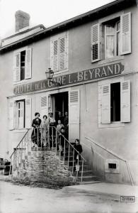 106 - COM - hôtel de la Gare 001-1 - Beyrand propriétaire - Photothèque Paul Colmar