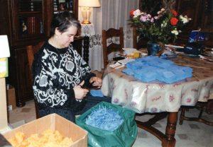 Josette prepare les fleurs